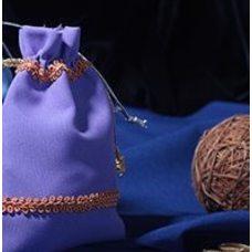 Мешочки из двухцветного габардина и украшенные тесьмой